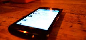 smartphone-on-table-1725x810_27958